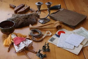 *NEW DATES* Workshop- That Reminds Me of a Story: Exploring Stories Through Treasured Objects